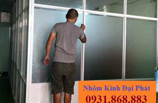 vach-ngan-nhom-kinh-59-505x330